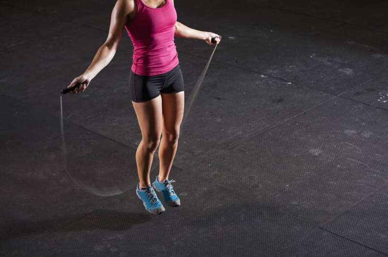 Скакалка для похудения: как пригыть, сколько, таблицы для начинающих